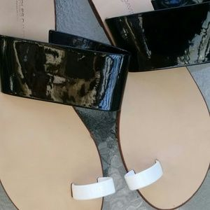 Charles David flat sandals